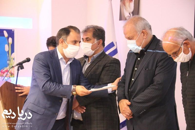 سرپرست هیات فوتبال تنکابن پس از برگزاری مراسم تکریم رئیس فقید هیات فوتبال شهرستان تنکابن معرفی شد .